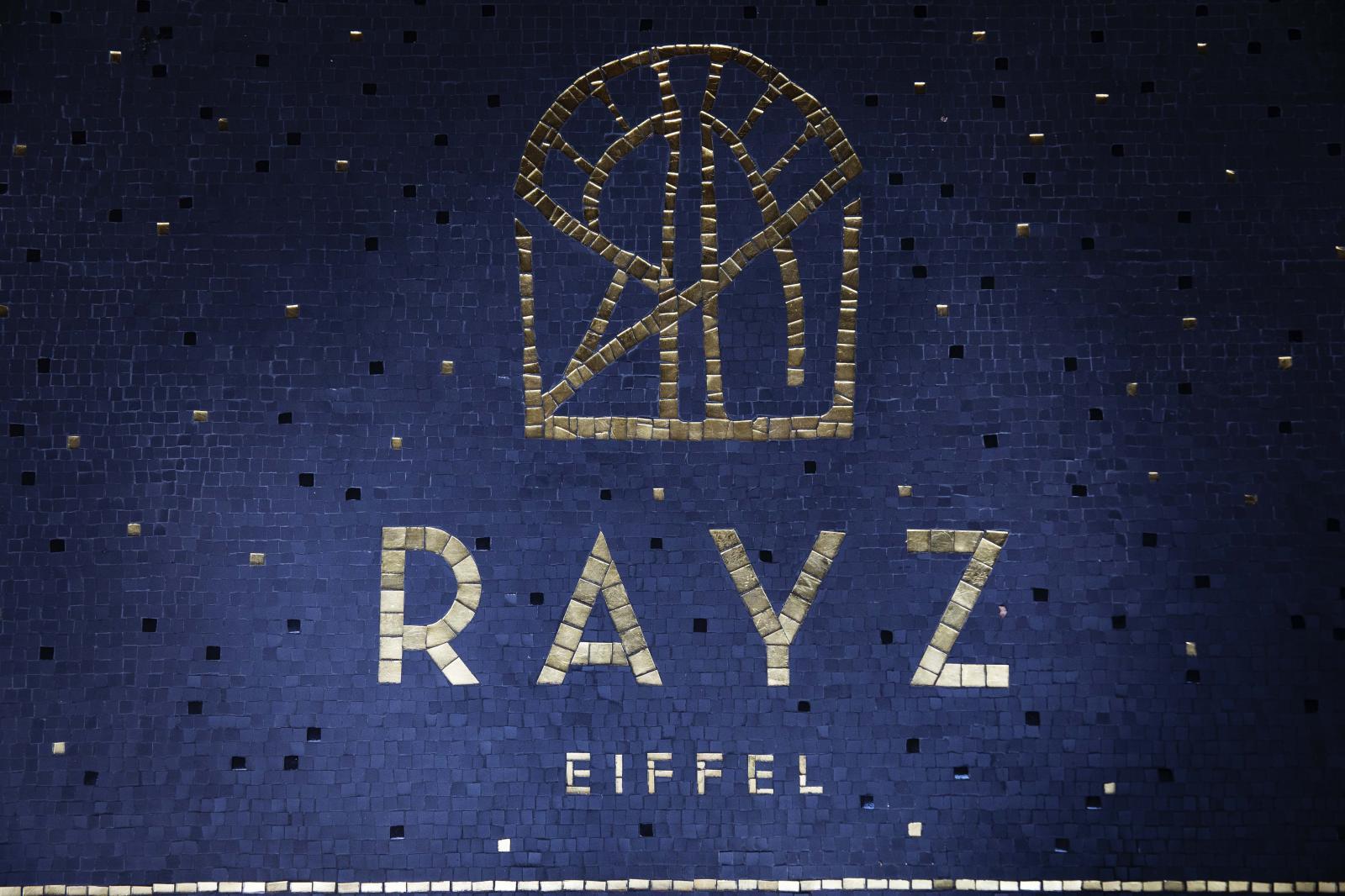 [www.rayzeiffel.com][80]rayz-eiffel-hotel-100578-1600-950-auto